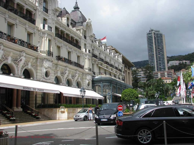 Monaco-27_Place-du-casino_Bentley.JPG