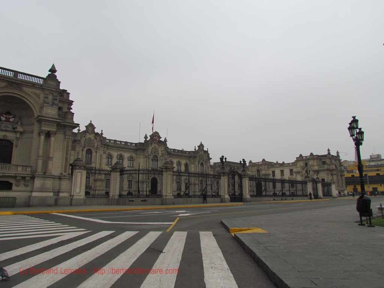 20130728_lima_07_plaza-mayor_palais-gouvernement.jpg