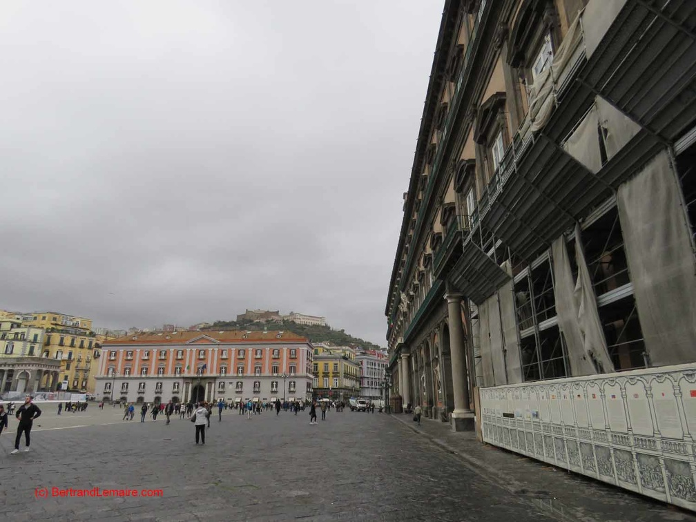 20181101-12-Naples Palais-Royal Place
