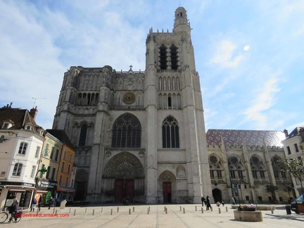 20190406 sens-11 cathedrale