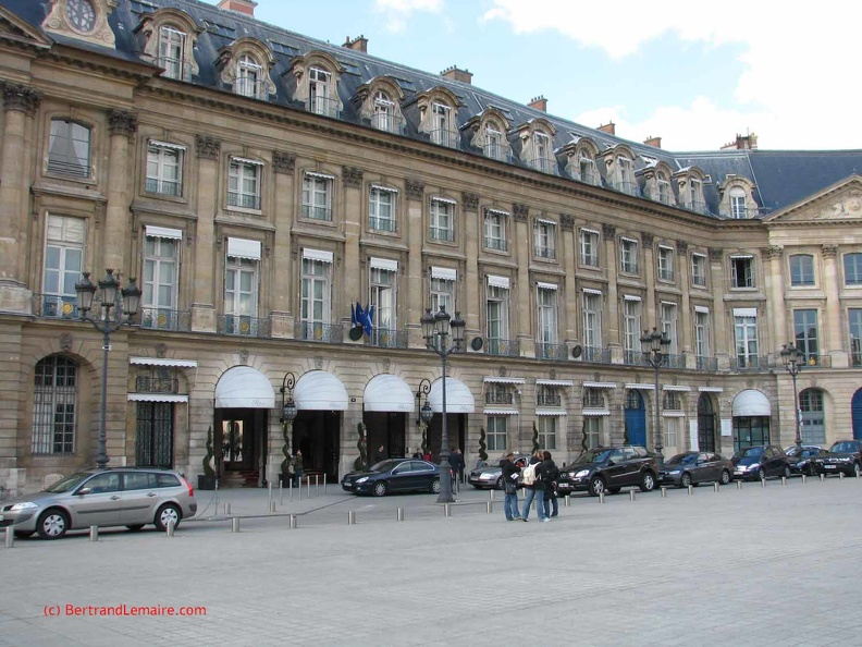 Paris01_PlaceVendome_Ritz1.jpg