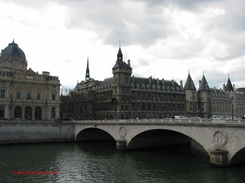 Paris04_Cite.jpg
