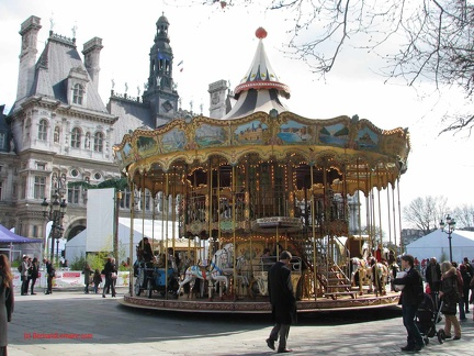 Paris04 HotelDeVille Manege