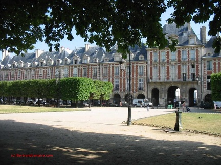 Paris04 PlaceDesVosges2