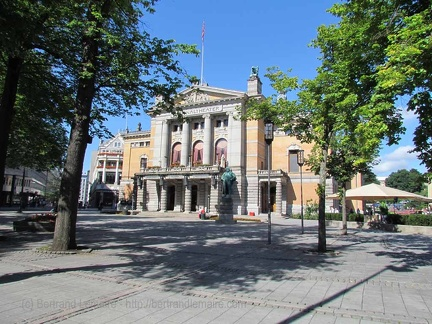 016 20120804 Oslo theatre-national